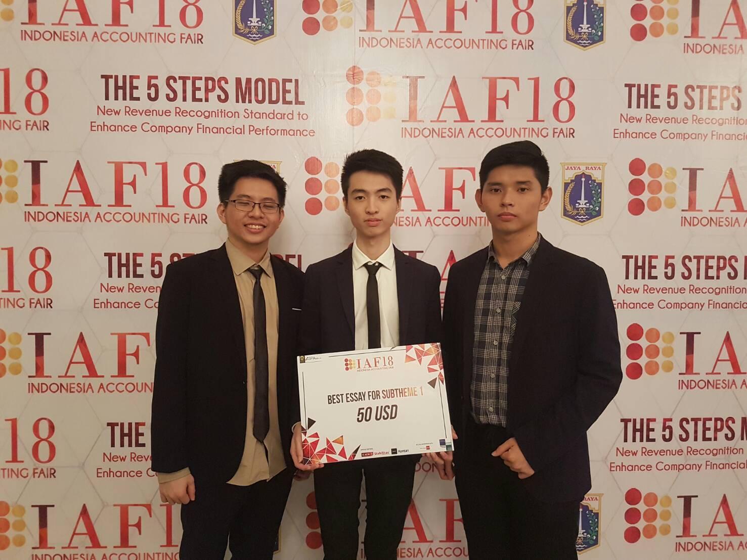 Binus University berhasil meraih Best Essay pada IAF 18