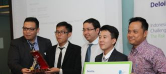 JUARA 2 Deloitte Risk Intelligence Challenge Trophy 2014/2015